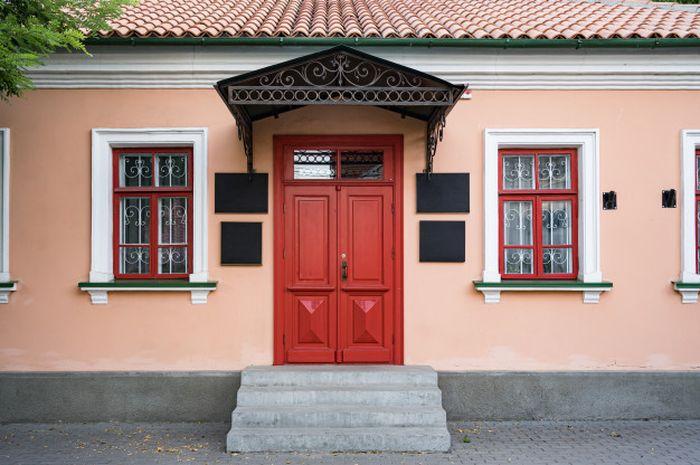 Ilustrasi pintu
