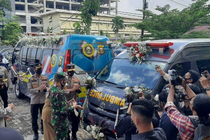 Kapolda Sumsel Irjen Pol Prof Dr Eko Indra Heri meresmikan Mobile Vaksinasi Covid-19