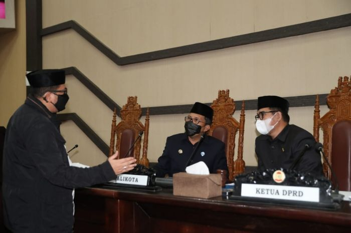 Momen rapat paripurna terkait penetapan rencana kerja DPRD Makassar 2022