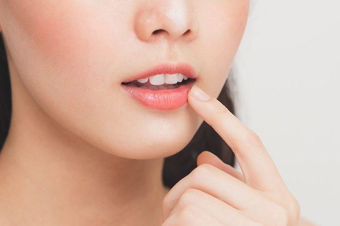 Ilustrasi bibir merah