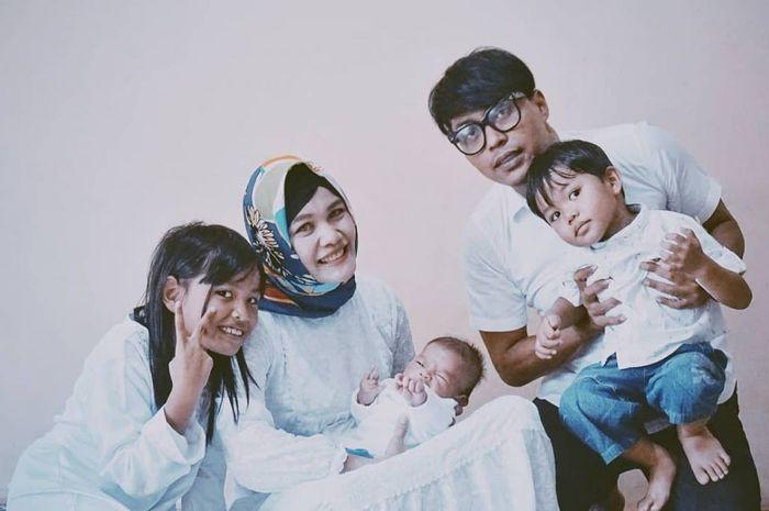 Kenangan Andi Seventeen bersama istri dan anak-anaknya