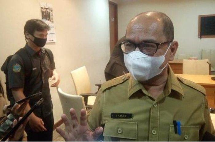 (Kepala Dinas Kominfo Sumut, Irman Oemar, usai RDP dengan Komisi A DPRD Sumut, Senin (24/5/2021). Foto: tribun)