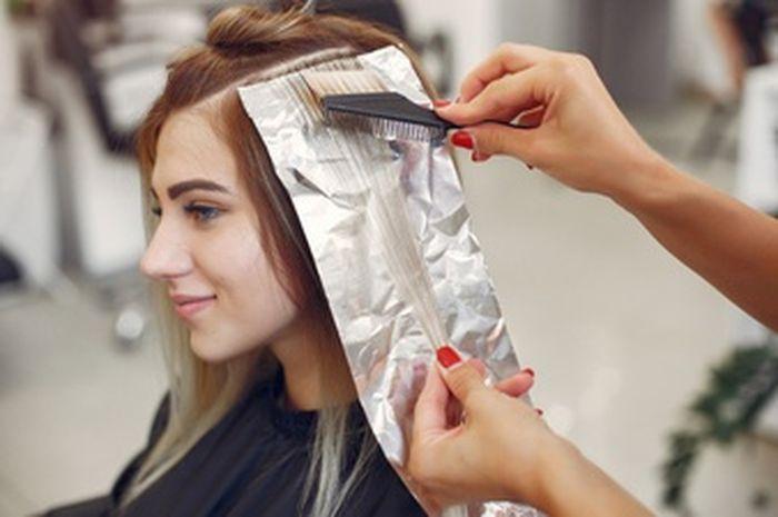 Illustrasi mewarnai rambut