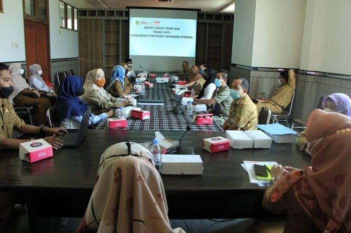 Badan Perencanaan, Penelitian dan Pengembangan (Bapelitbang) Kabupaten Penajam Paser Utara, melakukan Koordinasi Gugus Tugas Kabupaten Layak Anak (KLA) Tahun 2021