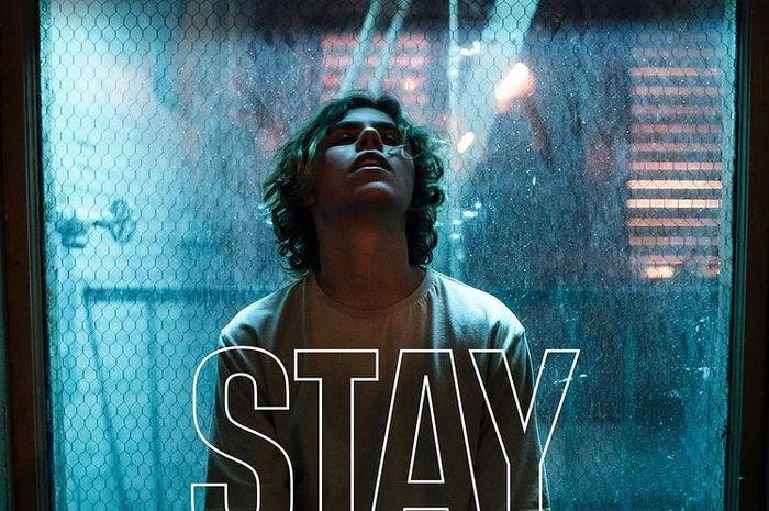 Poster Lagu 'Stay'