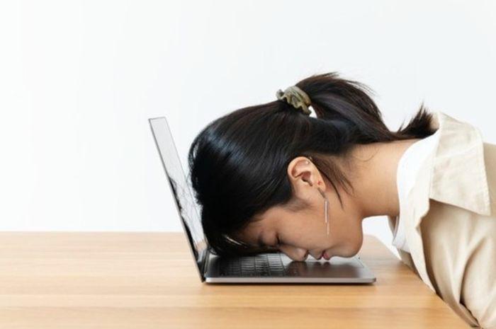Ilustrasi seorang wanita tengah stres.