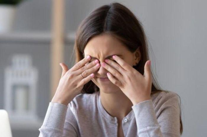 Ilustrasi mata sakit