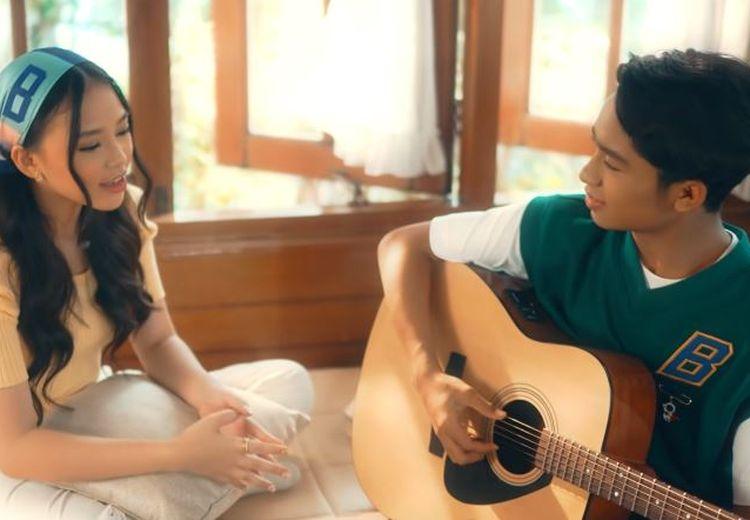 Lirik Lagu Sahabat Tak Akan Pergi oleh Betrand Peto dan Anneth