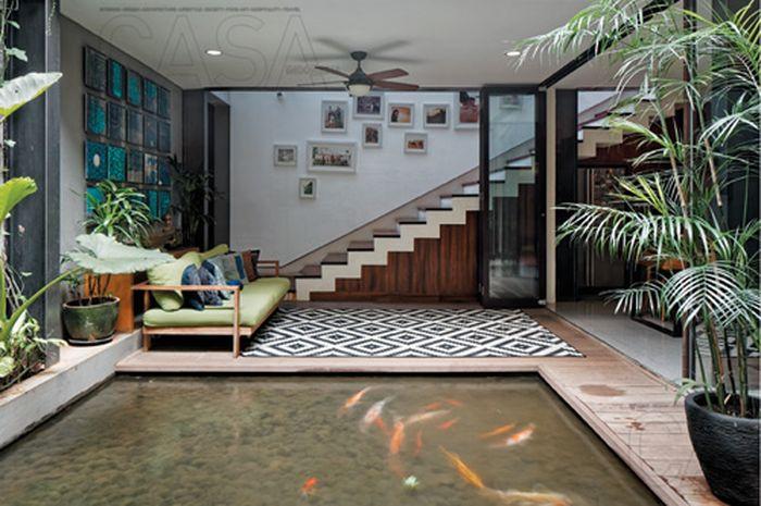 Kolam di dalam rumah.