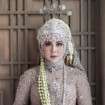 Geulis Pisan! 6 Potret Kesha Ratuliu Menggunakan Kebaya Sunda di Hari Pernikahan