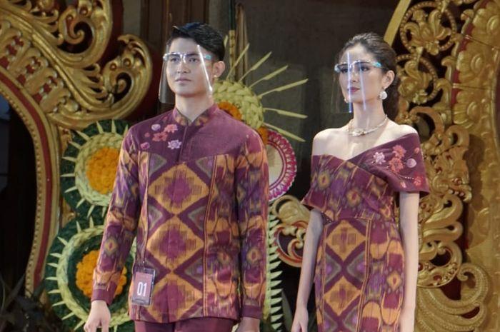 Peragaan busana lomba kewanitaan Pesta Kesenian Bali (PKB) XLIII  di Gedung Ksirarnawa Taman Budaya Art Centre Denpasar.