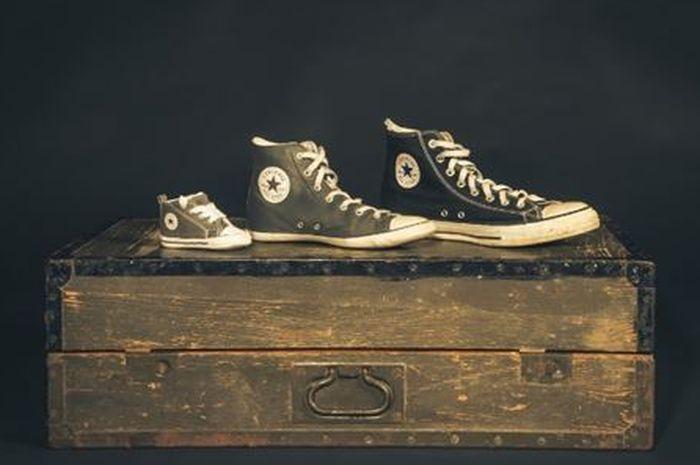 Ilustrasi Perbedaan Ukuran Sepatu