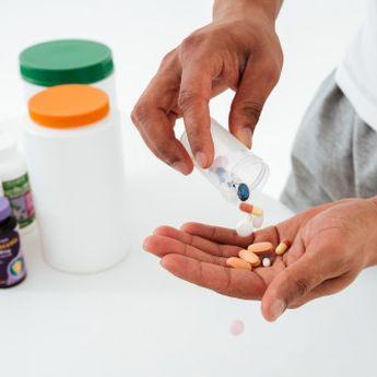 Bantu Jaga Imunitas, Dokter: Konsumsi Vitamin Harus Diimbangi dengan…