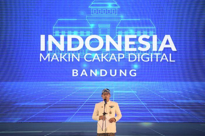 "Ridwan Kamil memaparkan skema Digital West Java pada peluncuran program Literasi Digital Nasional ""Indonesia Makin Cakap Digital 2021"" di Kota Bandung."