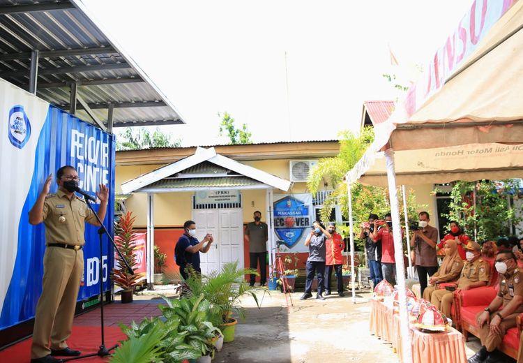 Disambut Antusias, Ratusan Warga Makassar Ikuti Vaksinasi 100 RT per Hari